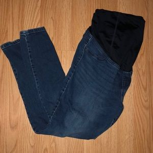 Ankle length maternity jeans